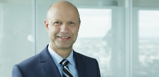 KMG_CEO_Dr_Frank Stieler.jpg