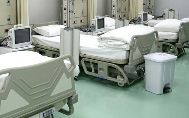 Parx Plastic's Antibacterial acrylic used for hospital beds - Medical  Plastics News