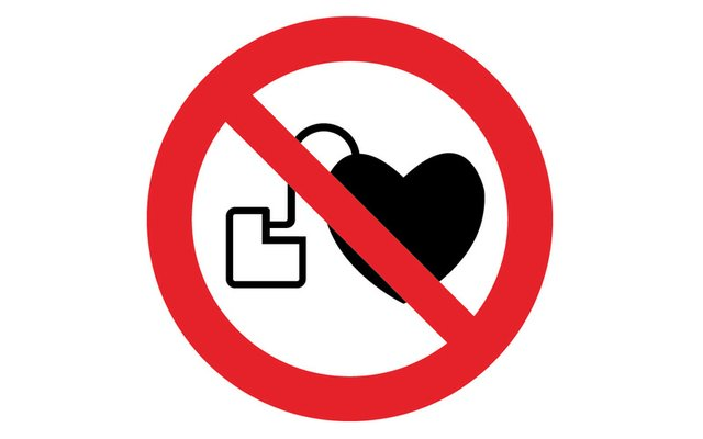 medtronic recalls pacemakers.jpg