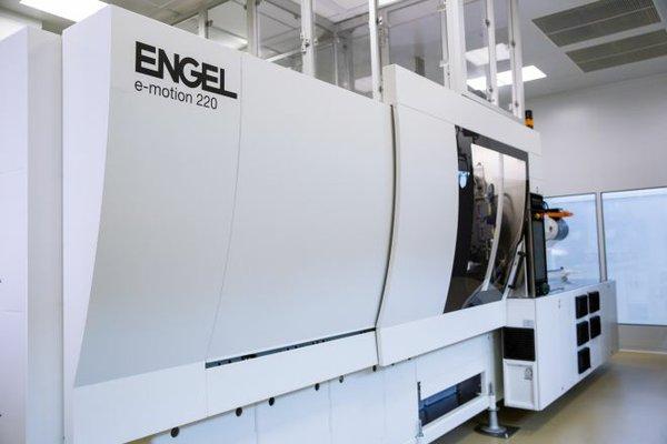 ENGEL_medical-technologies_e-motion_220_01.jpg