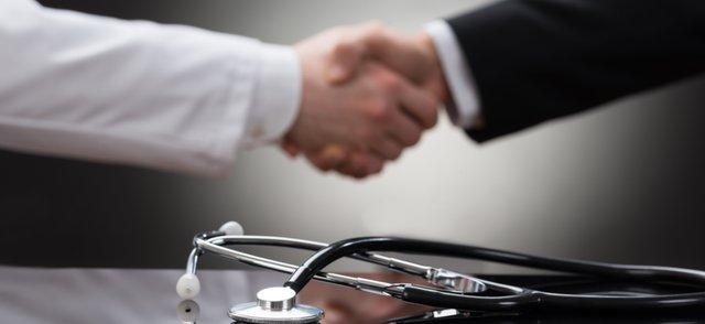 Stethoscope handshake.png