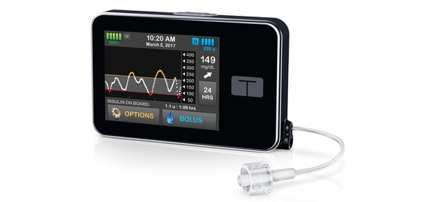 Tandem-tslim_X2_with_G5_insulin_pump_right_view_RGB.jpg