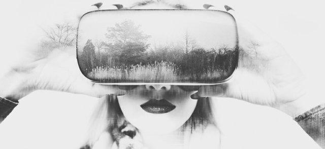 Women tech VR.jpg