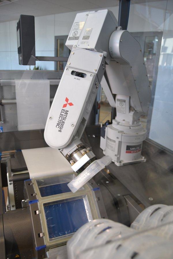 MitsUKDMA392_Robotics+Automation_in_Medical_Pic1-1 (1).jpg