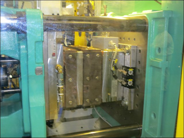 Arburg's 110 ton, All-Electric horizontal liquid injection molding press.jpg