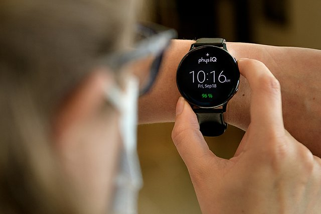 PhysIQ and Purdue University launch study to develop algorithms for detecting COVID-19 from biometric smartwatch data